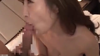巨乳40代の熟女20cmデカチンに突かれ捲り淫乱スケベ女エロ動画