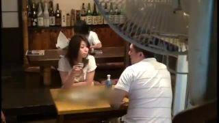 昼間から1人飲みしてる30代の美人奥さんをナンパSEXしたエロ動画