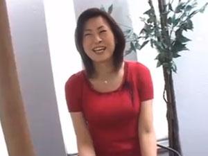 五十路セックスレス熟女の人妻が久しぶりのエッチに悶え捲る中出し動画
