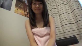 10代の可愛い娘が毎日するオナニーで絶頂ハメ撮り中出し素人投稿動画