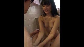 パイパンJC妹と風呂場でエッチしてる兄妹の近親相姦SEX投稿動画