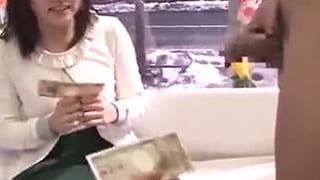 女子大生がお金でエッチまでしちゃったMM号素人SEXエロ動画
