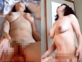 スナック熟女ママとお客の枕営業フェラSEXしてる素人エロ動画