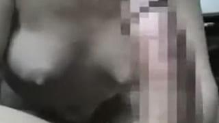 40代の夫婦がカーセックスしてる動画を撮った素人SEX投稿