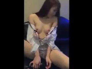 スマホ撮影した彼女が手コキやフェラしてる素人カップルSEX動画