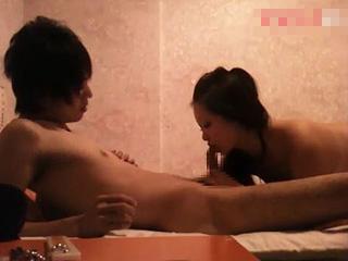 歌舞伎町の人気ホストがお客と枕営業SEXしてる盗撮エッチ動画