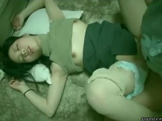 ドラックで眠らせ女を犯した逮捕されたレイプ魔の撮影エロ動画