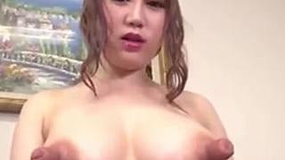 乳首が5cmマジ長い大きい爆乳な女の子の素人おっぱいエロ動画