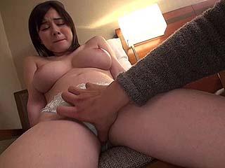セレブ人妻をナンパしてエッチしちゃった素人の奥さんSEX動画