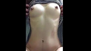 スマホで自撮りしたオナニー動画をネット投稿した巨乳な美人妻