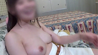 巨乳な美魔女の人妻デリヘル嬢とセックスした素人撮影エロ動画