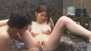 混浴で姉と弟がSEXしてた近親相姦エッチ現場を盗撮した素人動画