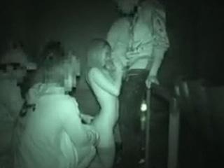 ポルノ映画館で裸になったら男達に襲われた個人撮影ビデオ動画