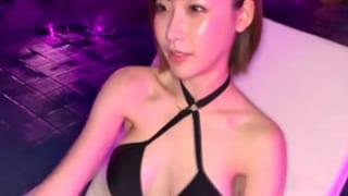 可愛い娘が集まるナイトプールでナンパしてエッチした素人動画
