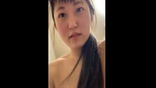 純粋な激カワ彼女が騎乗位で激しいセックスしてる素人スマホ動画