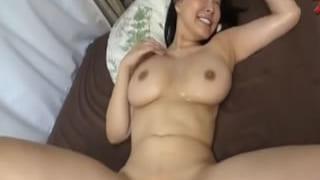 爆乳Iカップ娘と乱交しちゃった素人撮影した3Pエッチ投稿動画