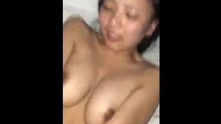 正常位で激揺れFカップ乳の彼女をスマホ撮影した素人SEX動画