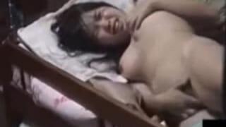 高校生の妹が部屋でオナニーしてたよぉースマホ盗撮したエロ動画