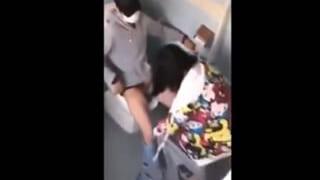 学校のトイレでセックスしてる大学生カップルをスマホで盗撮した